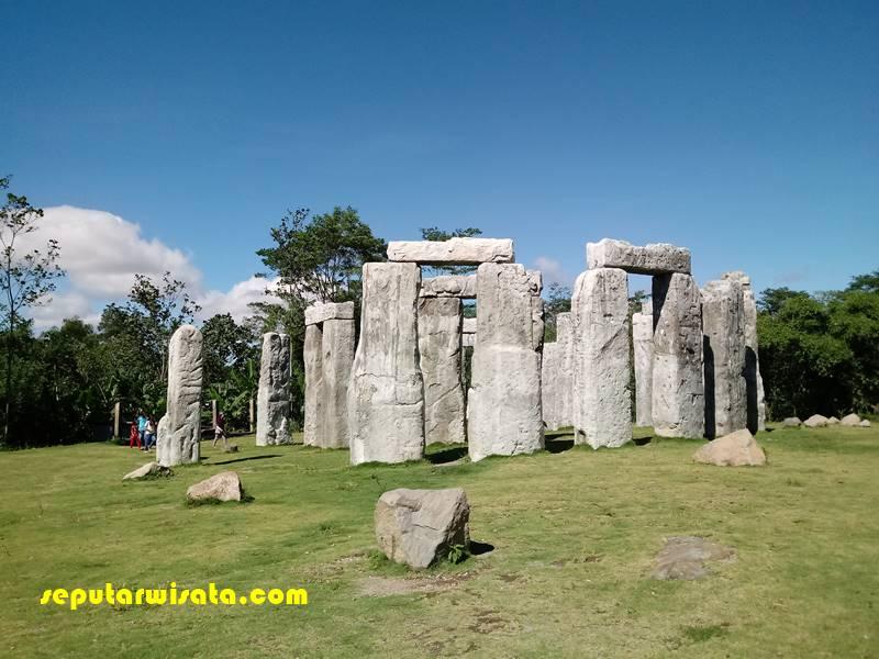 stonehenge jogja