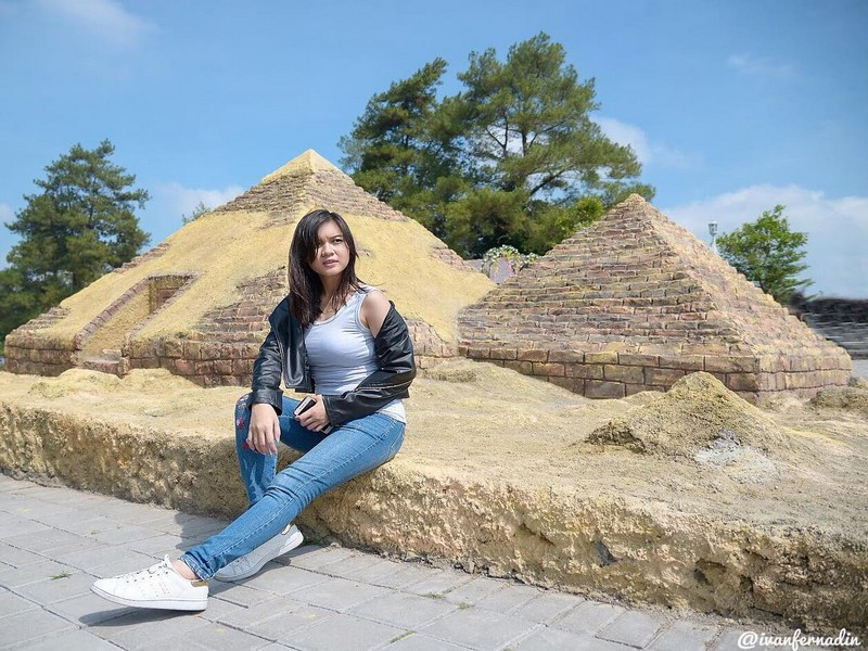 Replika Piramid Mesir