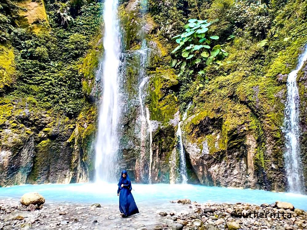 tempat wisata sumut air terjun telaga dwi warna
