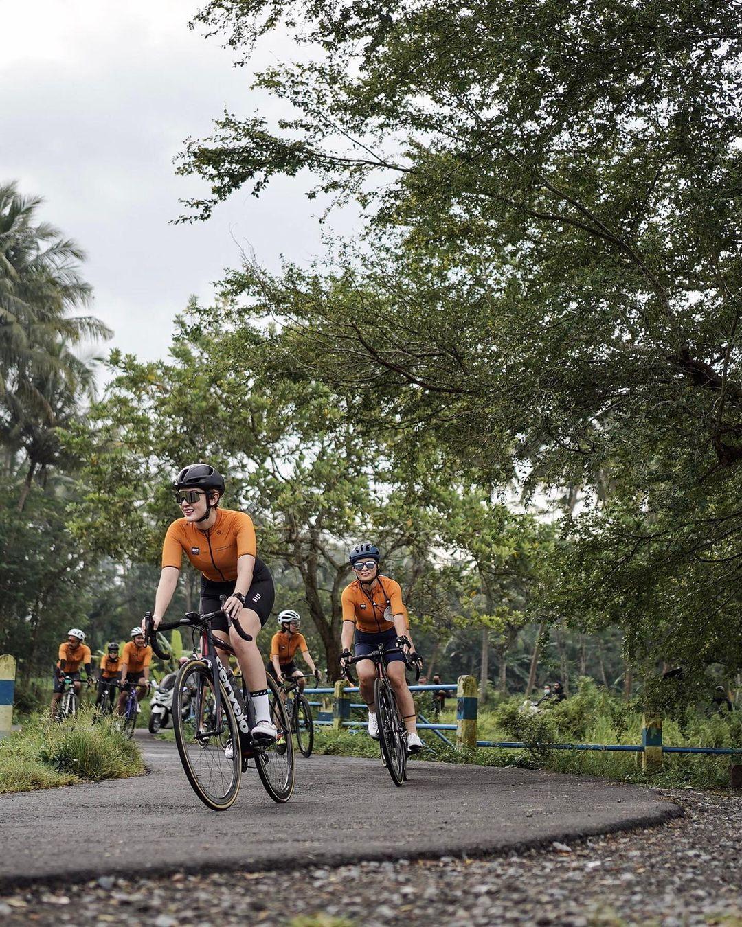 Wisata Sepeda Jogja, Menawarkan Blusukan Sambil Ngopi dan Wisata Belanja Batik