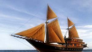 Kapal Pinisi Raja Ampat