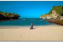 pantai pasir putih jogja