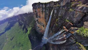 uji-adrenalin-kunjungi-5-wisata-ekstrim-di-indonesia